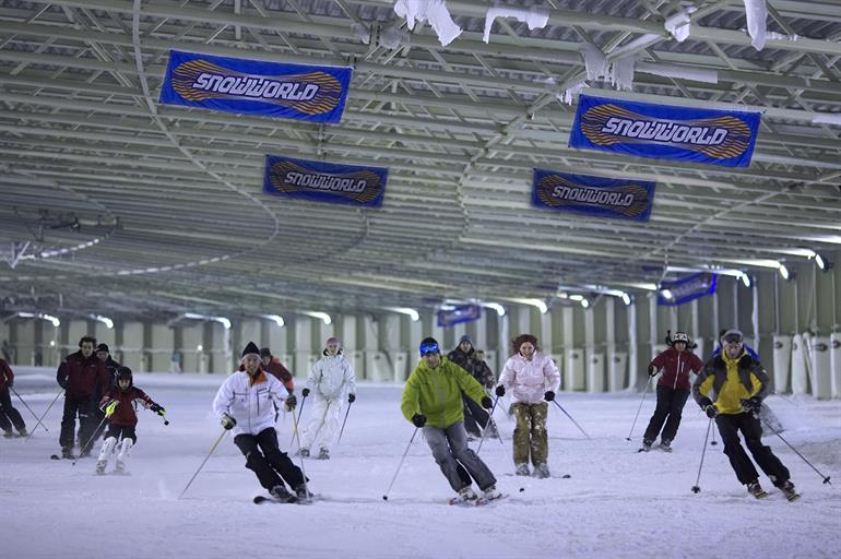 Skieers in Snowworld